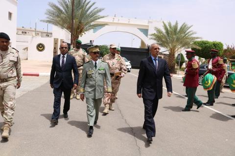 وزير الدفاع يؤدي زيارة تفقد لقيادة الأركان العامة للجيوش