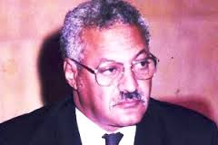 الأستاذ محمدٌ ولد إشدو